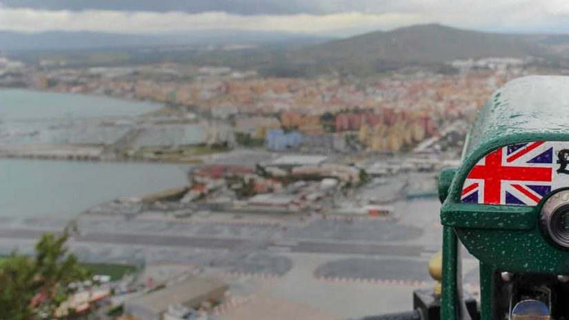 coin pay green binoculars over UK/Europe view