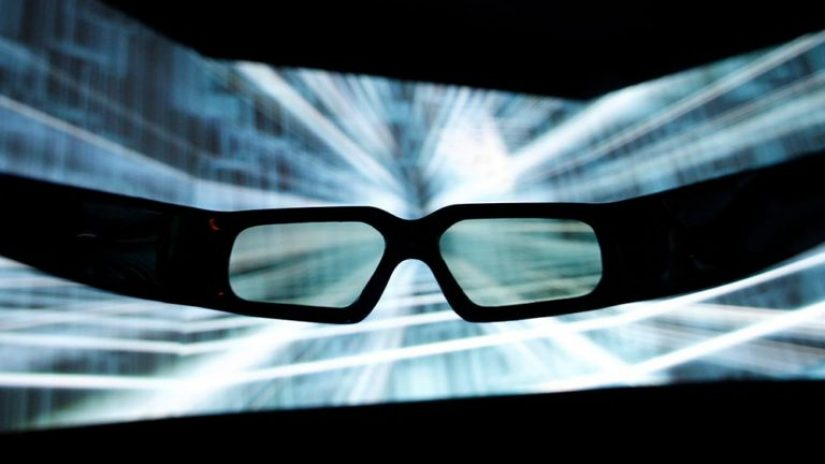 glasses looking at a big screen to show how Refinitiv is fighting financial crime in 2020