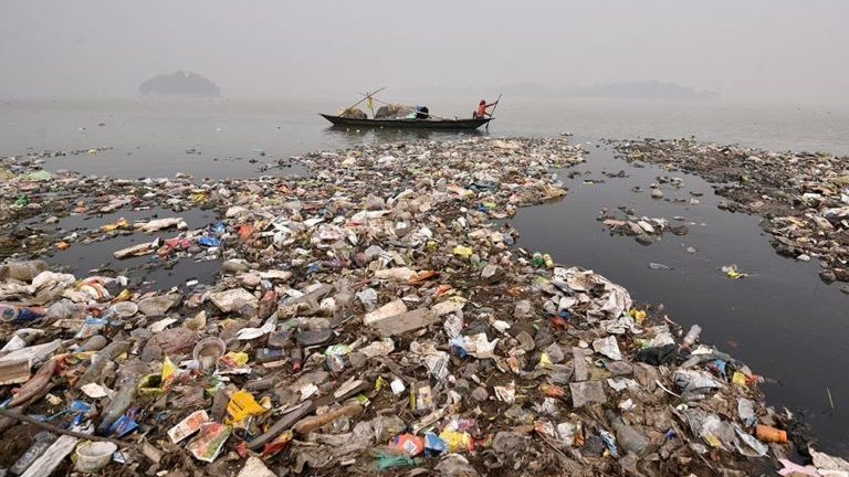 Waste and pollution in sea near India